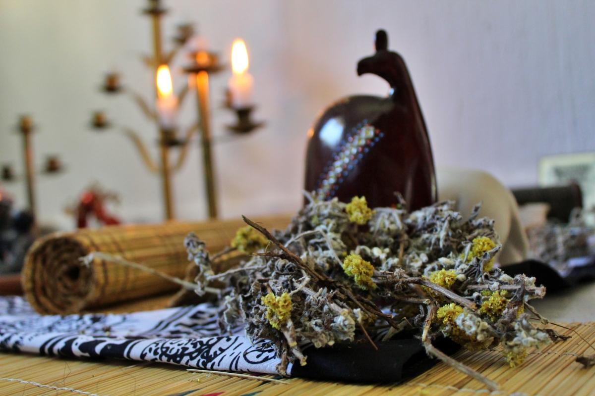 UkuPhahla – Communicating with Ancestors – AfroSavvy